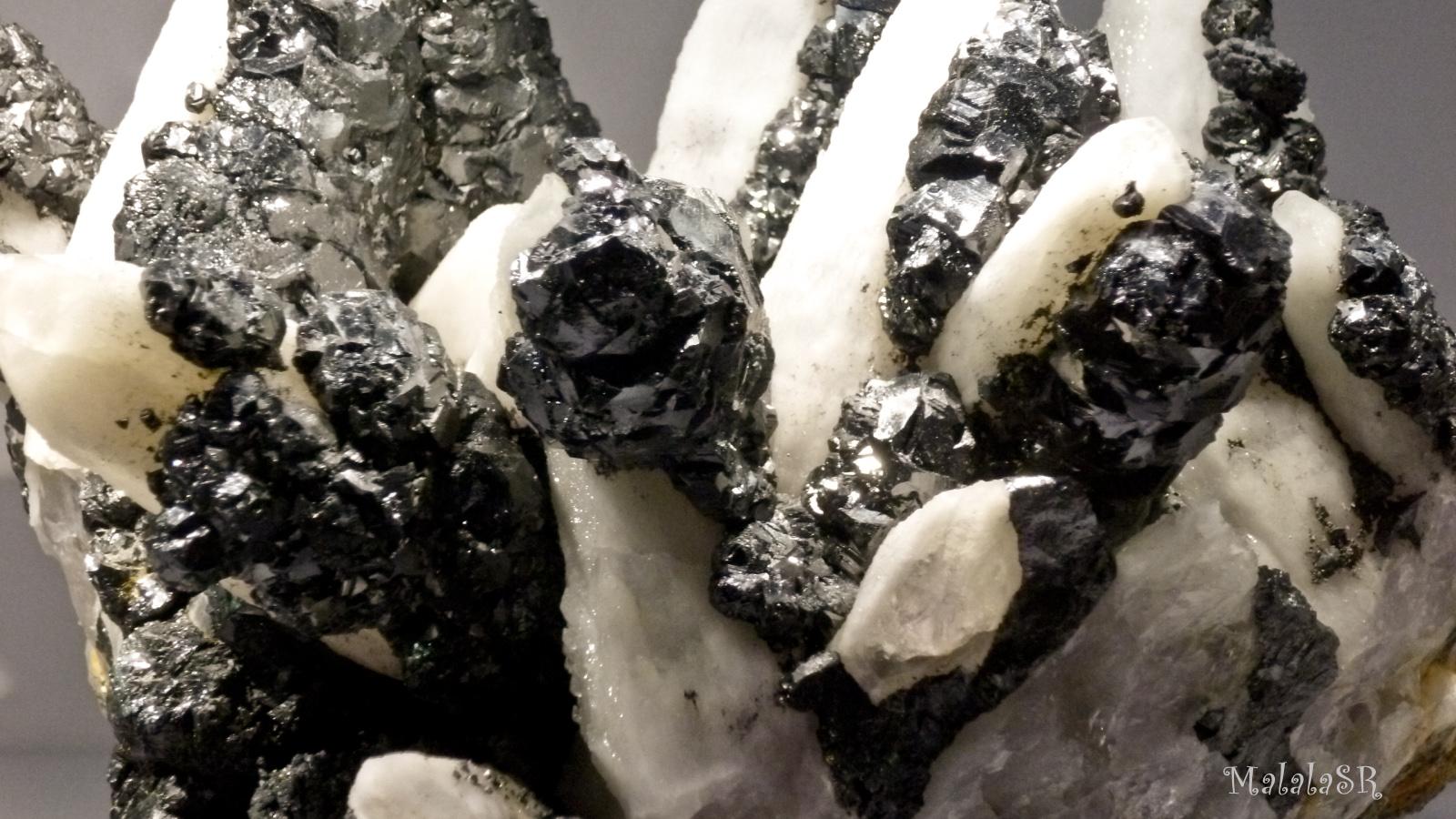 Stones malalasr 9